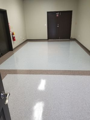Floor Cleaning in Lawrenceville, GA (1)
